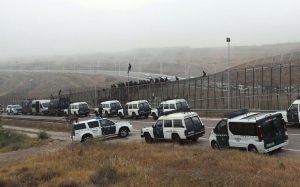 Migranti entrano in Spagna