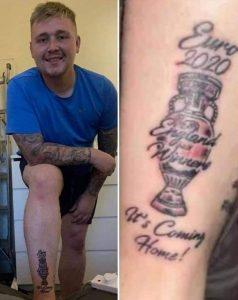 «It's coming home»: tifoso inglese si tatua la coppa della finale
