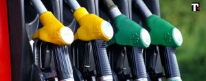 Aumento prezzo benzina e diesel agosto 2021